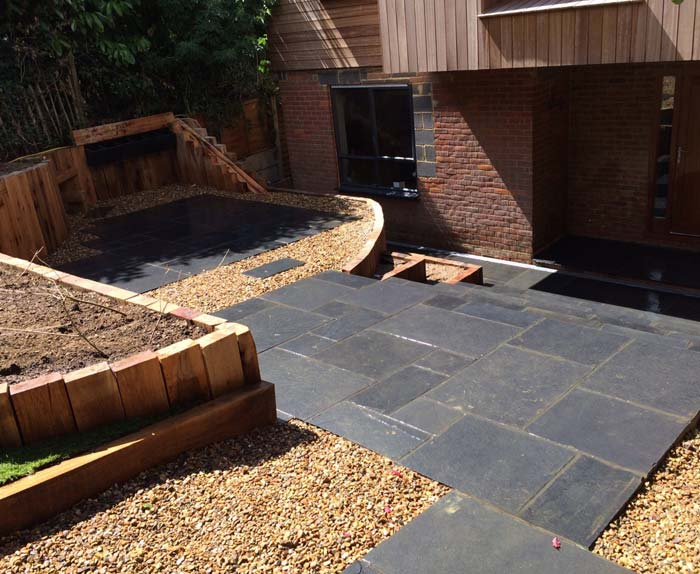 Gravel with Limestone Paving